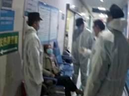 回国拒隔离大闹医院 民警劝说无果后强制医学隔离
