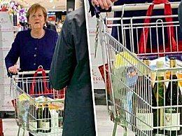 默克尔超市采购 表达政府对抗疫信心