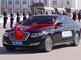 吉林用50辆红旗车接回医疗队 高级礼仪接医疗队回家