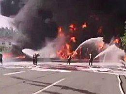 深圳高速一油罐车着火 索性无人员伤亡