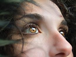眼睛散光有哪些症状和表现?如何预防散光眼?