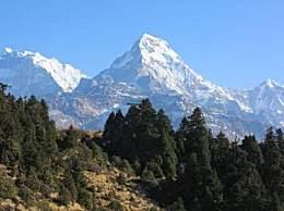 数百登山者被困喜马拉雅山 因尼泊尔在全国范围实行封锁