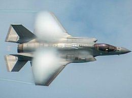 美军F35A战机坠毁 飞行员成功弹射目前身体状况稳定