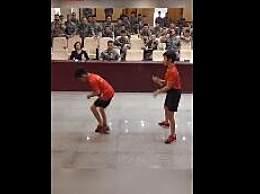 小学生世界冠军教兵哥哥跳绳