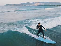 李现冲浪照片组图