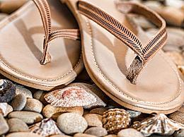 哪些原因回导致穿拖鞋脚臭?夏天穿拖鞋脚臭怎么办