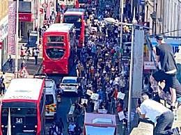 伦敦爆发抗议