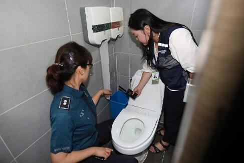 KBS女洗手间发现摄像头