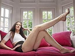 世界上腿最长的女人 腿长1.32米简直逆天