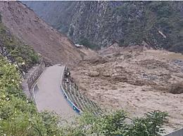 四川丹巴泥石流形成堰塞湖