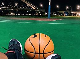 罗志祥深夜打篮球引发关注