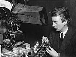 世界上最早的电视机发明者贝尔德 制造世界上第一台电视机