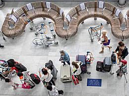 法国巴黎奥利机场26日开放 当天共有70个航班起降