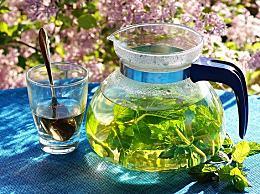 喝茶后多久吃药比较好