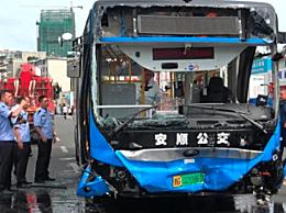 坠湖公交救出37人 坠湖公交5名学生和驾驶员无生命体征