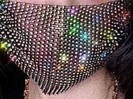 真土豪!印度现钻石镶边口罩 售价过万太壕了