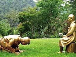 韩国设安倍下跪雕像