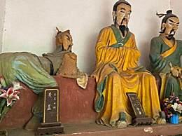 景区现魔性黄盖雕像