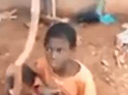尼日利亚男孩被拴羊圈2年吃饲料