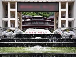 贫困县花7.1亿建豪华中学