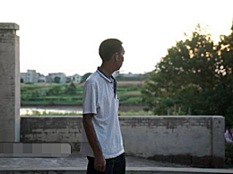 12岁男童满身伤痕家中身亡 手腕上有明显勒痕