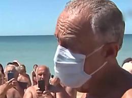 葡萄牙总统采访中跳海救人