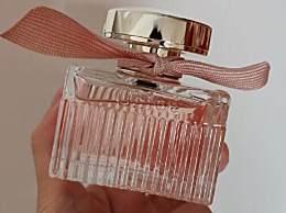 喷香水的正确方法