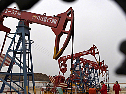 中石油上半年亏损近300亿