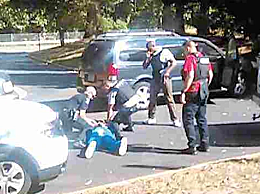 美国又一非裔男子被警察枪 杀
