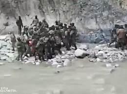 中印两军近距离冲突画面
