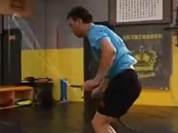 男子跳绳半年瘦50斤拿世界亚军