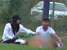 陈羽凡与小18岁女友秀恩爱