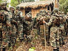 印度特种兵增援边境踩地雷