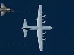 美军F-35B撞加油机坠毁