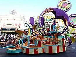 美国迪士尼乐园将裁员2.8万人 67%的被裁员工是兼职人员