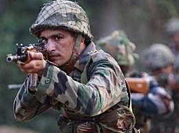 印度士兵4枪打死指挥官 这名士兵在逃已超过24小时