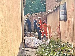 武汉新洲一自建私房工地发生垮塌:10人受伤,2人死亡