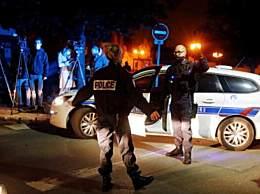 法国巴黎一老师被斩首