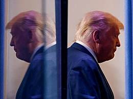 特朗普头发全白了