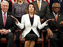 佩洛西当选美国会众议院民主党领袖
