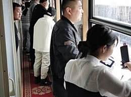 京哈线暴雪列车被困20小时
