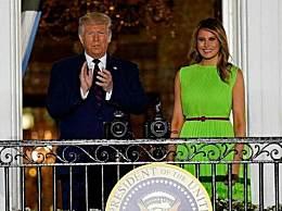 """梅拉尼娅被批""""断头王后"""" 介绍新装修的白宫网球馆遭网友怒批"""