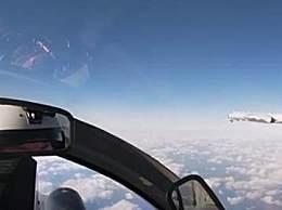 俄苏35战机为中国轰炸机护航