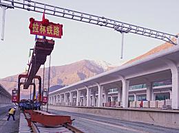 川藏铁路拉萨至林芝段正线全线铺通