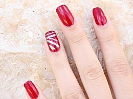 手指甲上有横纹暗示有哪些疾病