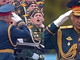 俄罗斯阅兵:士兵高喊