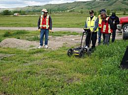 加拿大又一学校发现751个无名墓 目前死亡儿童总人数未能确定