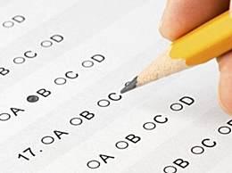 拍照上传高考数学题学生承认作弊